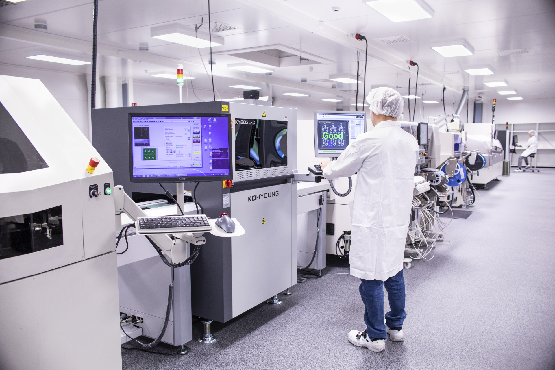 STM line for electronics with integrated quality inspection