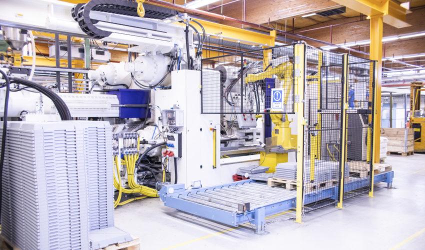 A large injection moulding machine unit